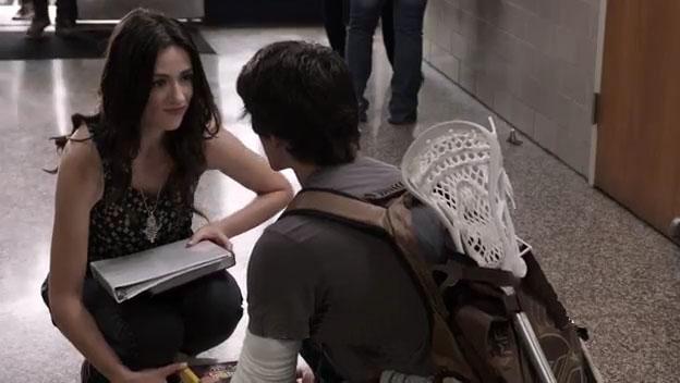 Эллисон и Скотт в коридоре школы - 3 серия 1 сезона Волчонок